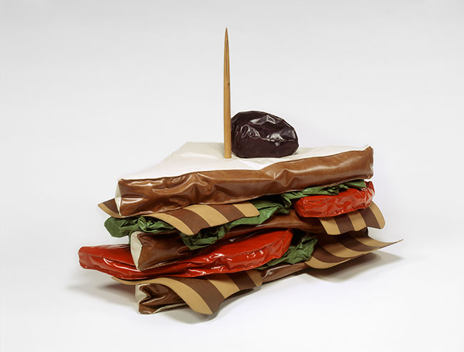moma_oldenburg-giant_blt
